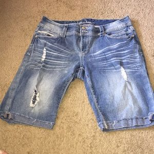 Ariya Jean shorts! EUC!!